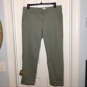 Dress Barn (Westport 1962) Green Khaki Pants Sz 18